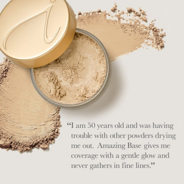 AMAZING BASE LOOSE MINERAL POWDER  - € 49,50